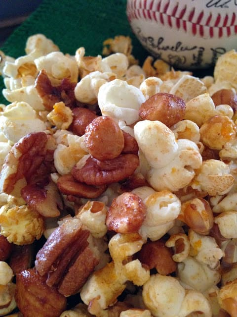 Popcorn and Peanut Snack Mix