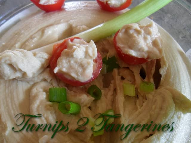 Hummus with Veggie Dippers